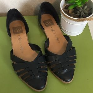 Dolce vita Black Pointed Toe Flats size 6.5